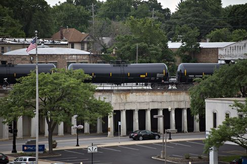 Tanker Rail Cars in Illinois