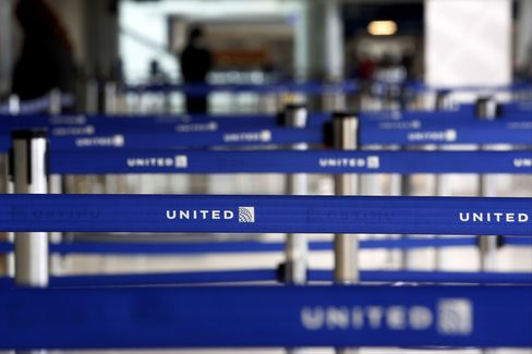United Paces Airlines' Retreat as Syria Tension Sends Oil Higher