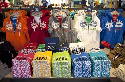 Aeropostale Seen as Next Hot Topic at Sales Discount