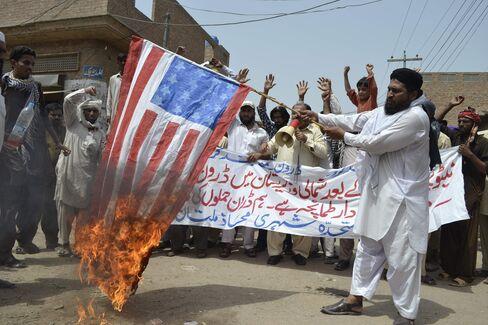 U.S.-Pakistan Thawing Leaves Two Major Issues Still Frozen