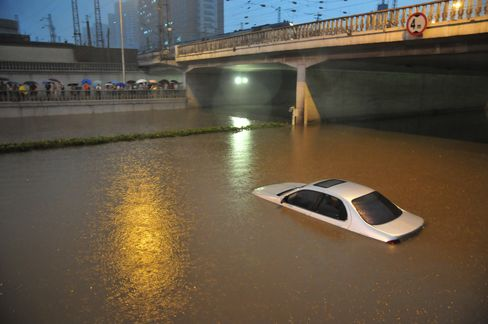 Beijing's Worst Rainstorm in Six Decades Leaves 37 People Dead