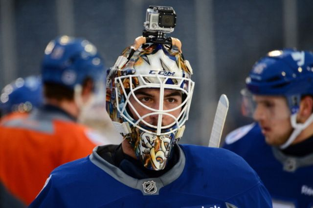 Kevin Poulin wouldn't do that with his iPhone. Photographer: Brian Babineau/NHLI via Getty Images