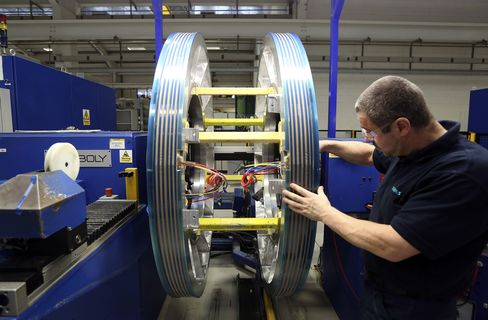 U.K. Manufacturing Expands for Second Month as Orders Increase