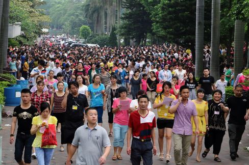 Tens of Thousands Strike at a Nike and Adidas Supplier in China