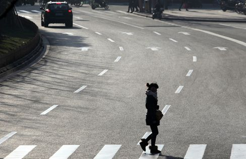 China Plans Higher Budget Deficit in 2013 to Support Demand