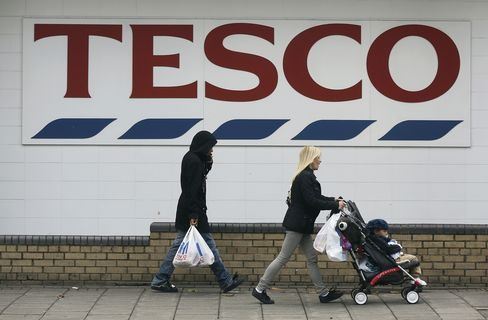 Tesco Haunted by Leahy Ambitions as Grocer Prepares to Exit U.S.