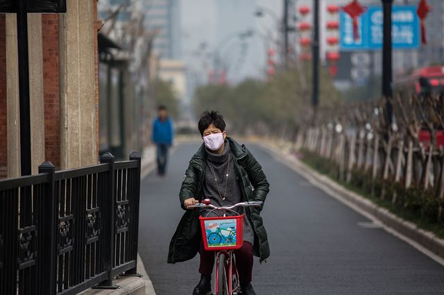 A not-so-nice day for a bike ride. Photographer: Lam Yik Fei/Getty Images