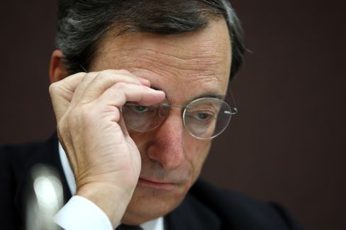 Draghi Takes Pitch Into Lion's Den as German Faith in ECB Wavers