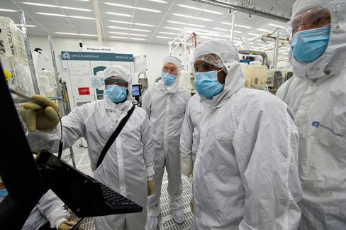 Applied Materials to Cut Up to 1,300 Jobs, or 9 Percent of Staff