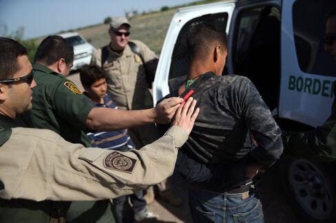 Senate Nears Showdown Over Immigration Border-Security Amendment