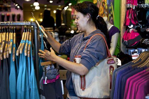 U.S. Economy: Consumer Confidence Increases
