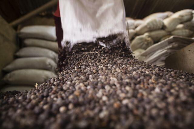 Arabica coffee beans. Try to control yourself. Photographer: Prashanth Vishwanathan/Bloomberg