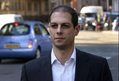 Ex-Credit Suisse CDO Boss Won't Go to U.S. Before Plea Deal
