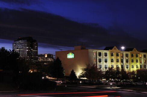 La Quinta Inns & Suites Hotel