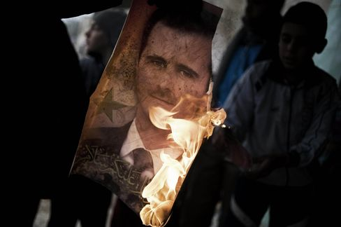 Assad Hold on Power 'Tenuous', U.S. Intelligence Official Says