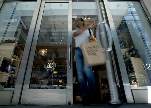 Retail Sales in U.S. Unexpectedly Stagnate as Employment Sta
