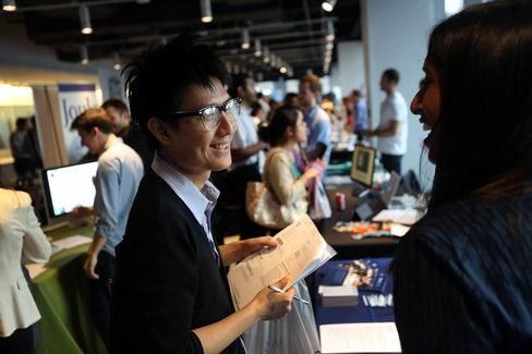 Jobless Claims in U.S. Unexpectedly Rose Last Week to 371,000