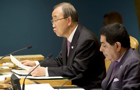UN Passes Symbolic Syria Measure as Ban Evokes Past Genocides