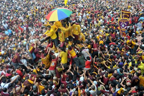 Philippine Leader Warns of Attack During Nazarene Festival