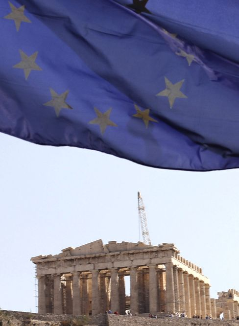 Greece Bonds Climb for First Time in Debt Crisis