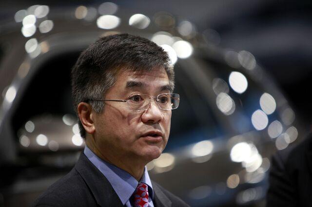 Diplomat or race-traitor? Photographer: Qilai Shen/Bloomberg
