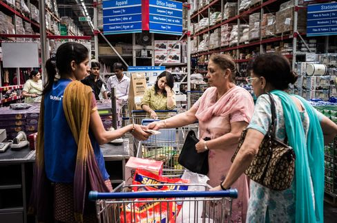 Indian Lawmakers to Vote on Retail Opening as Singh Seeks Boost
