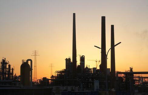 Gasoline Exports to U.S. Falling on Profit Drop