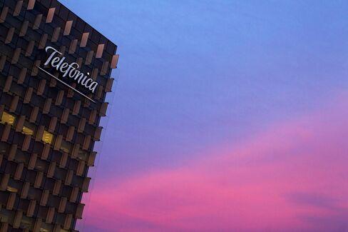 Telefonica to Buy KPN's German Business for $10.7 Billion