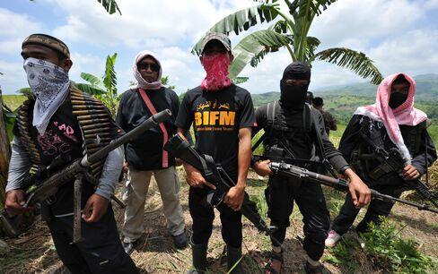 Dawn Murder Shows Barrier to $312 Billion Mindanao Trove