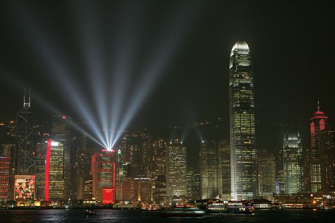 Hong Kong's Richest Property Tycoons Drop $2.2 Billion in Wealth