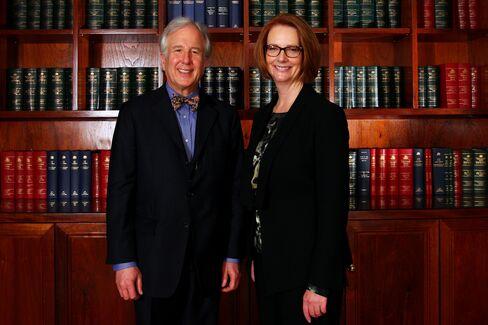 Gillard Says Bitter Opponents Deriding Julia Set to Fail