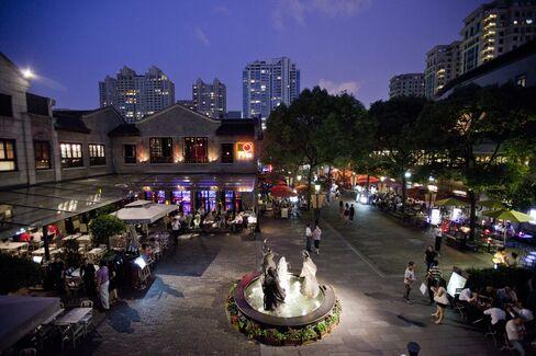 Shui On Land Falls on Full-Year Profit Warning