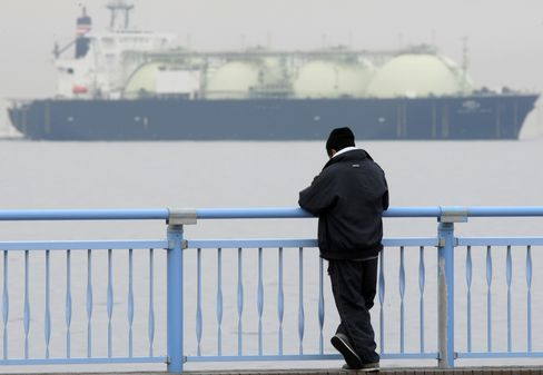 Japan Plans World's First LNG Futures Contracts Within Two Years