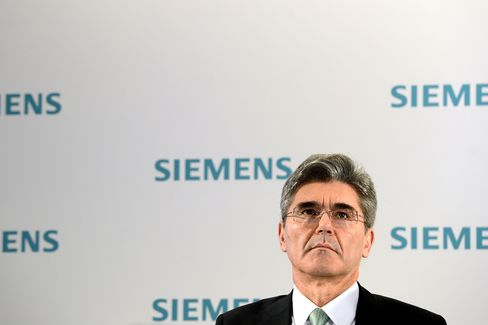 Siemens Said to Approach CFO Kaeser to Become Chief Executive