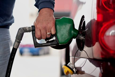U.S. Gasoline at Pump Averaged Record High in 2012, AAA Says