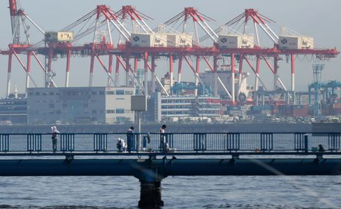 Japan Sustains Export Growth on Yen as EU Shipments Increase