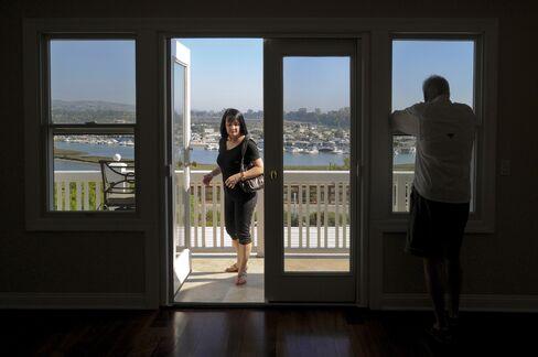 U.S. Household Worth Declines by $149B
