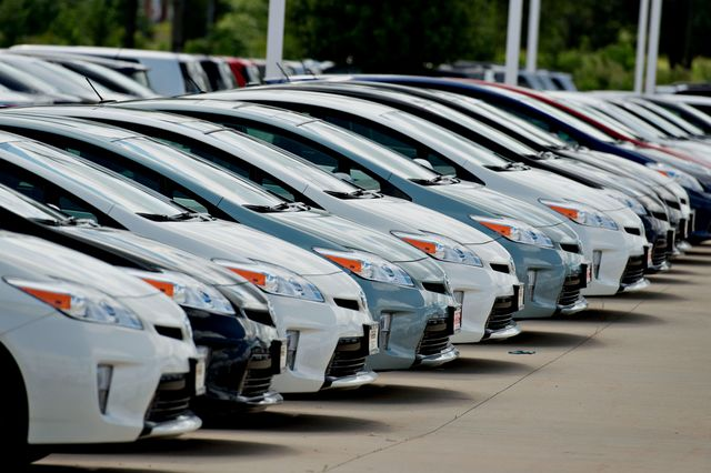 The U.S. auto-sales reporting system is unnecessarily complex.