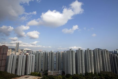 Hong Kong to Boost Home Sales, Favor Locals as Prices Surge