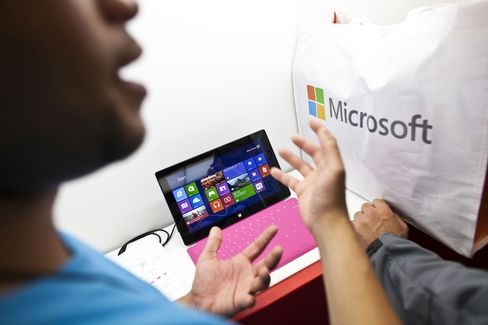 Microsoft Said to Cut Windows for Tablet Prices Amid Slump