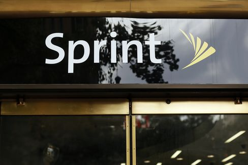 Sprint Said Not to Plan Clearwire Takeover After Softbank Deal