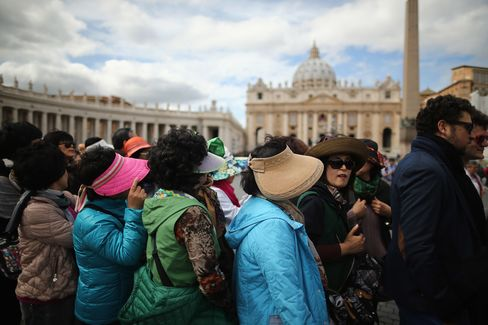 Pope Blessing for Rome as Tourism Gains May Ease Recession