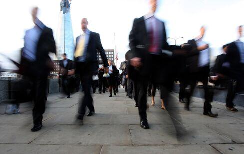 Top Traders Risk Expulsion in Brain Drain From U.K. Visas