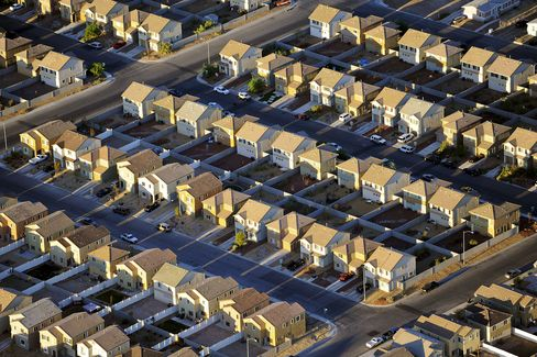 Refinancing Surge Gives Lift to Banks