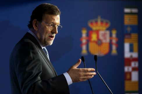 Rajoy Sees Case for Slowing Spain's Austerity as Economy Shrinks