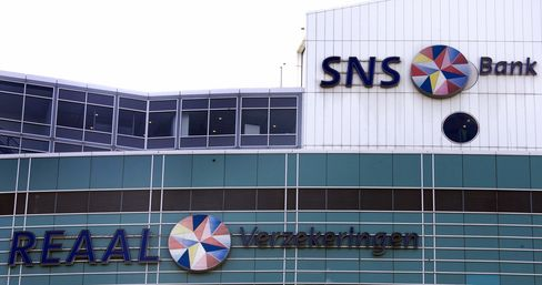 SNS Reaal Wins Temporary Approval From EU for Dutch Rescue
