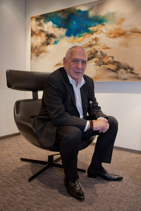 Richard Elman, a high school dropout who turned Noble Group in Asia's largest commodities trading house, is pouring money into natural gas companies in what he calls one of the fastest-emerging markets: The U.S. Photographer: Daniel Traub/Bloomberg Markets