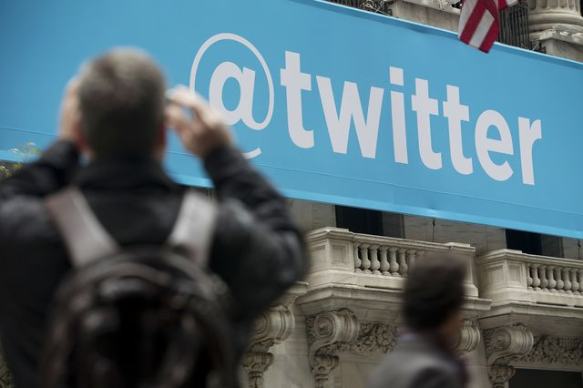The @twitter banner displayed on the exterior of the New York Stock Exchange. Photographer: Scott Eells/Bloomberg