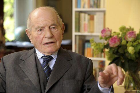 Georg W. Claussen