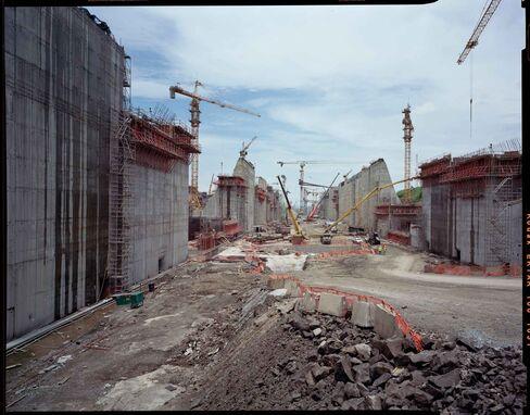 Construction on the Panama Canal's New Locks